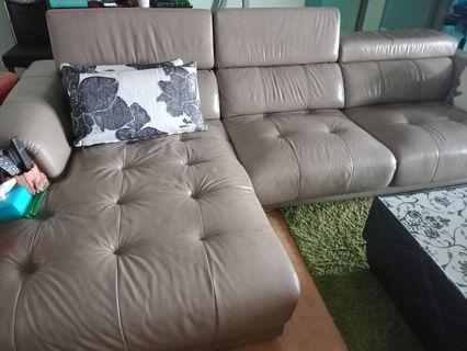 🚚 Leather Sofa L shaped