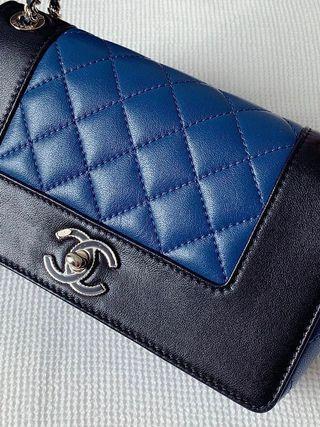 100% Authentic CHANEL Mademoiselle Enamel CC Small Flap / Mini Chain bag