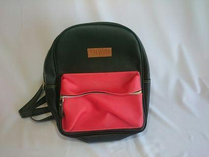 Mini Backpack Hitam Merah Salvora
