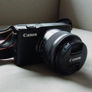 Canon EOS M10 with 15-45 1:3.5-6.3 IS lens