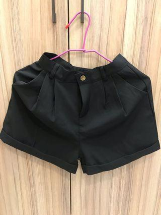 全新 黑西裝短褲s號 #CarousellxCasetify