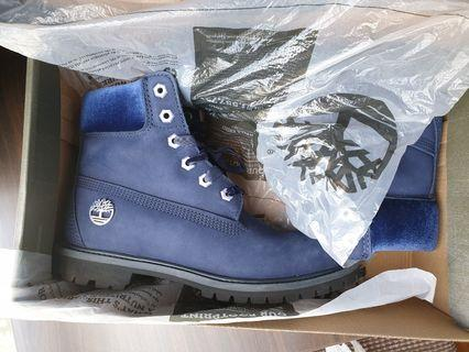 Timberland Boots in Navy blue Suede