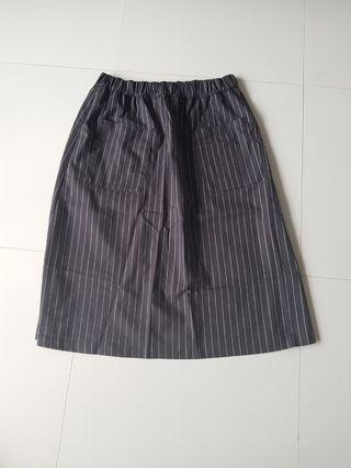H&M Divided 3/4 Skirt in Stripes