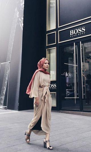 FOR RENT: Lily petuna bell sleeves pario in nude