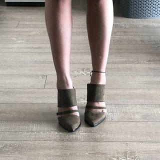 """NEW Betts """"Milla"""" Mule Heels in Khaki, Size 7"""