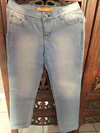 Jeans light blue woman