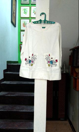 Atasan blouse kemeja putih big size jumbo