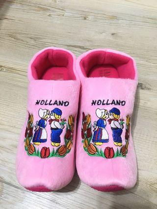 🚚 In-room Slippers