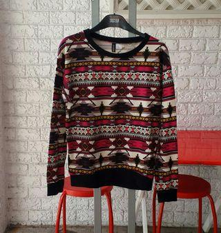 H&M Divided Aztec Design Pullover Size XS Girls