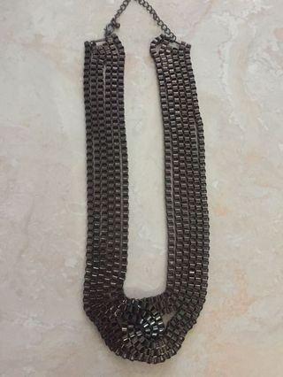 Kalung Simpul Besar