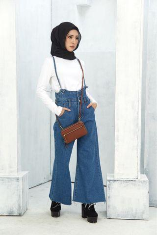 Wide Legged Jeans With Shoulder Strap (BNIB)
