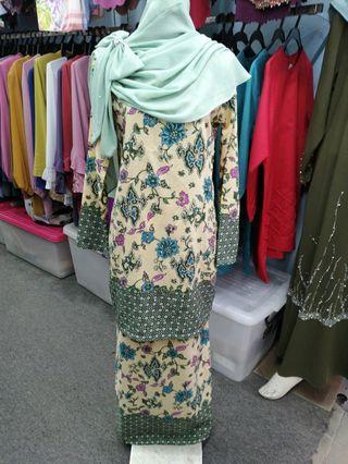 🚚 Baju kurung batik