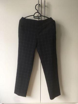 Uniqlo 9吋女裝黑色格仔西褲