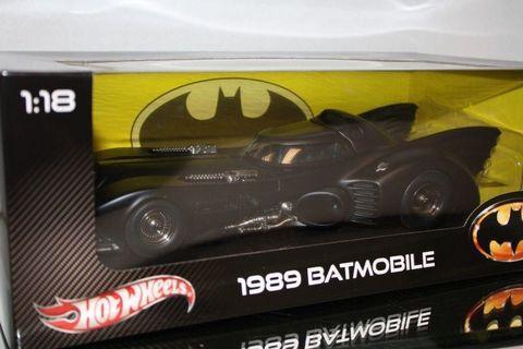 全新已絕版 HOT WHEELS出品 1989年電影版BATMAN RETURNS 1:18 BATMOBILE DIECAST 合金制造蝙蝠車