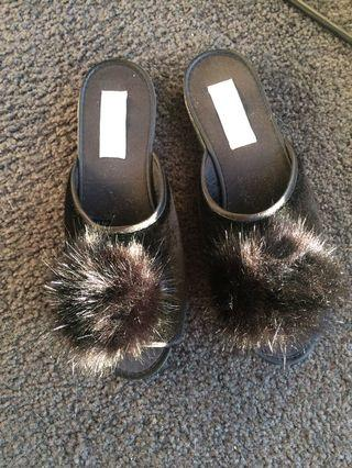 Grosby home slippers Brand new Size 6