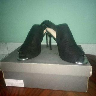 High Heels Charles & Keith's