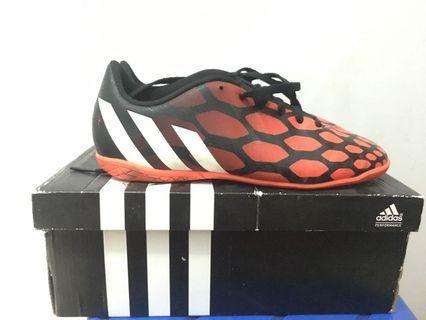 Jual cepat sepatu Futsal Adidas Predito