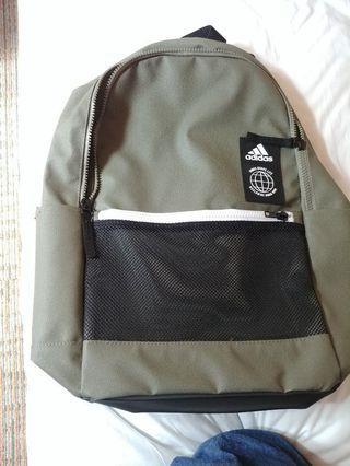 Adidas backpack 背囊