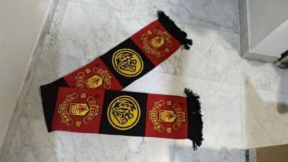 MANCHESTER KNIT SCARF