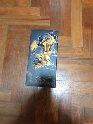 X-Transbots: MX-XVI Overheat - Unofficial Stunticon Dragstrip Transformers
