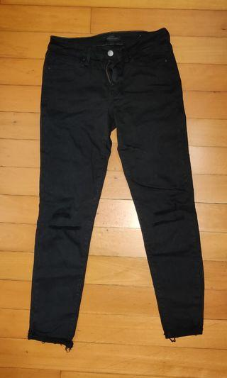 Black Uniqlo Jeans Ripped Knee