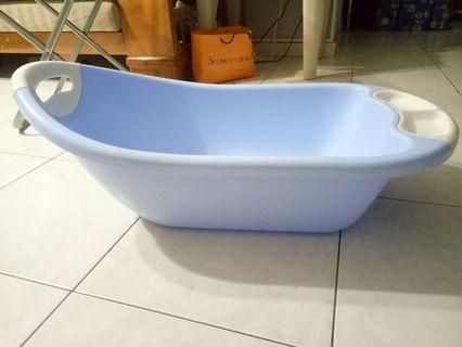 🚚 Baby Bath Tub