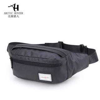 🔥IN STOCK🔥  Men Bag Pouch Convenient Hand Small Pouch Outdoor Bag Light Weight  #MRTJurongEast  #CarousellxCasetify