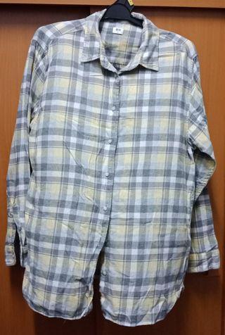Uniqlo Shirt (Unisex)