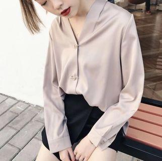 全新🌸時尚百搭緞絲滑面氣質襯衫