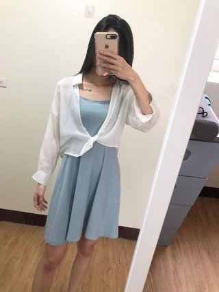 淡藍色長洋附外罩衫