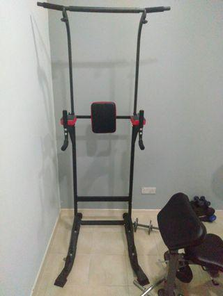 Chin-up, dip and leg raise station