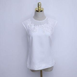 🚚 Ted Baker white lace top