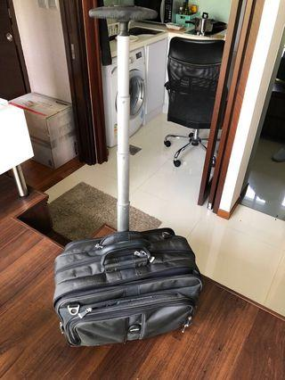 🚚 Wheeled Briefcase good condition - suitcase