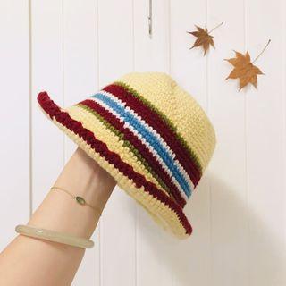 繽紛毛線手工編織帽  近全新 購於裊裊百貨 原價1200元