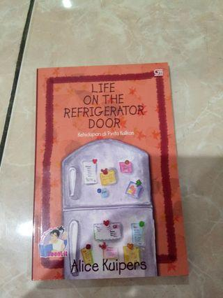 Novel Life on The Refrigerator Door