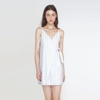 🚚 The willow label striped wrap dress