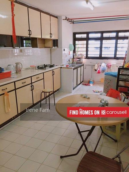 Cheap 3 room in clementi, master room with attached bathroom