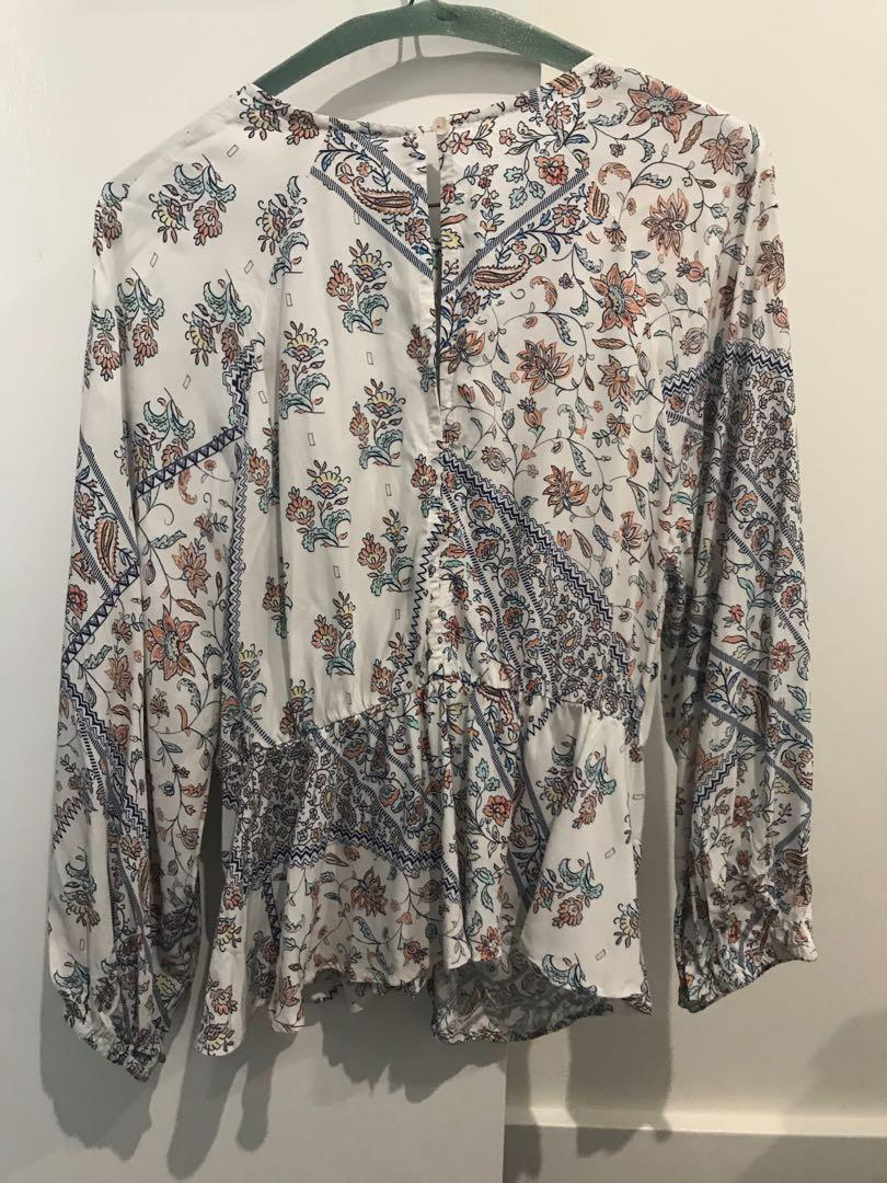 BNWT Jaase floral long sleeve tie top size large L