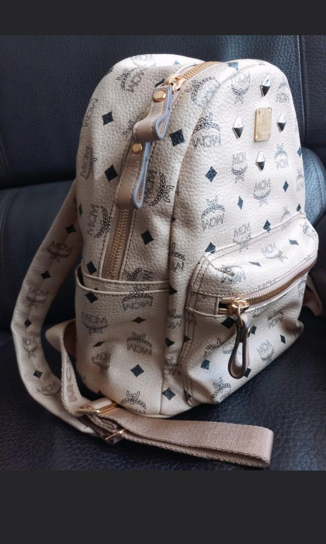 MCM backpack beige 背包米白色90% new