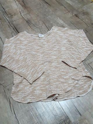 3/4 sleeved knitted beige top