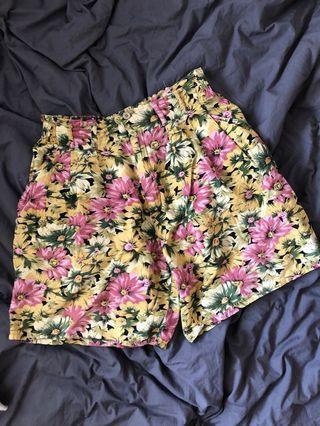 Vintage floral print cotton mom shorts
