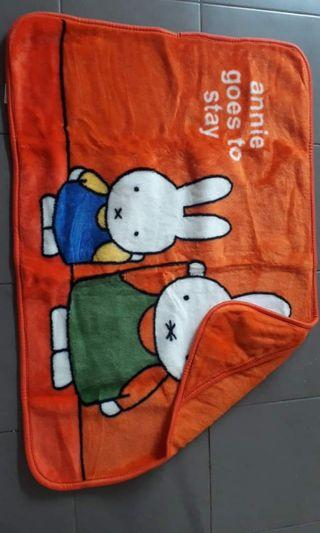 selimut bayi,bahannya hangat