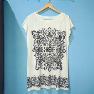 White pattern blouse / mini dress HARGA PAS FREEONGKIR JABODETABEK