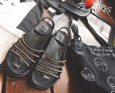 🚚 黑涼鞋