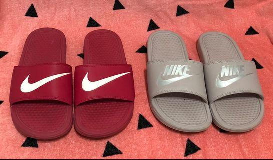 2 x Nike slides