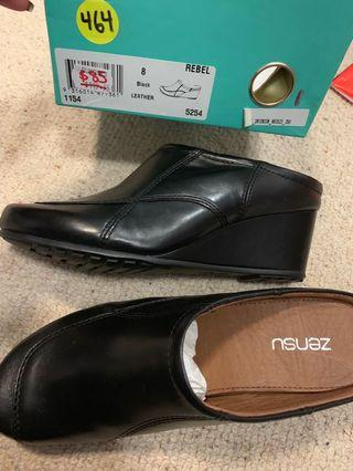 Women's black leather shoes size 8, brand new