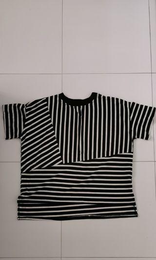 Striped t-shirt in monochrome