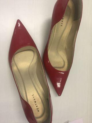 HEATWAVE - red high heels