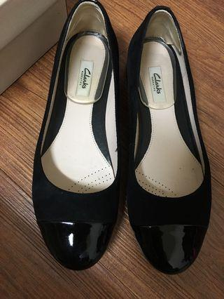 Clarks 平底鞋