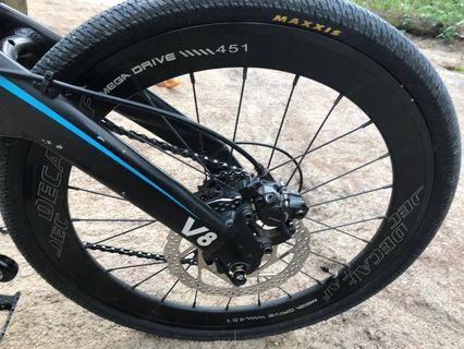 Java Decaf rim wheelset 451 with DECA Hubs, Ultegra 9 speed cassette and Maxxis tyres